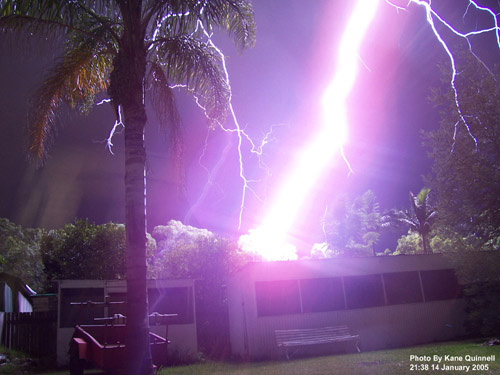 Nearby_Lightning_Bolt