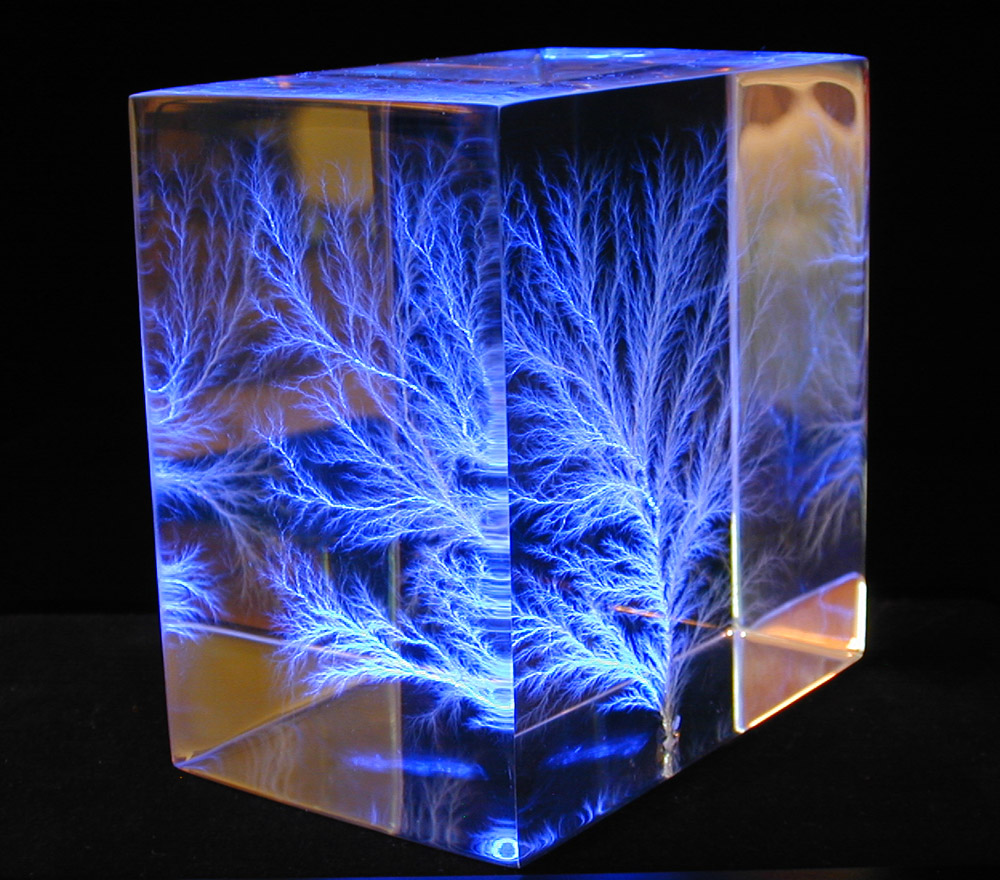 what are lichtenberg figures and how are they made. Black Bedroom Furniture Sets. Home Design Ideas
