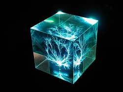 Cube illuminated by LP3 Light Base - aqua